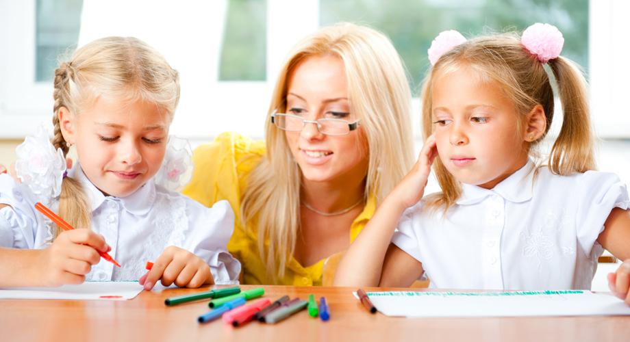 картинки воспитатель и няня