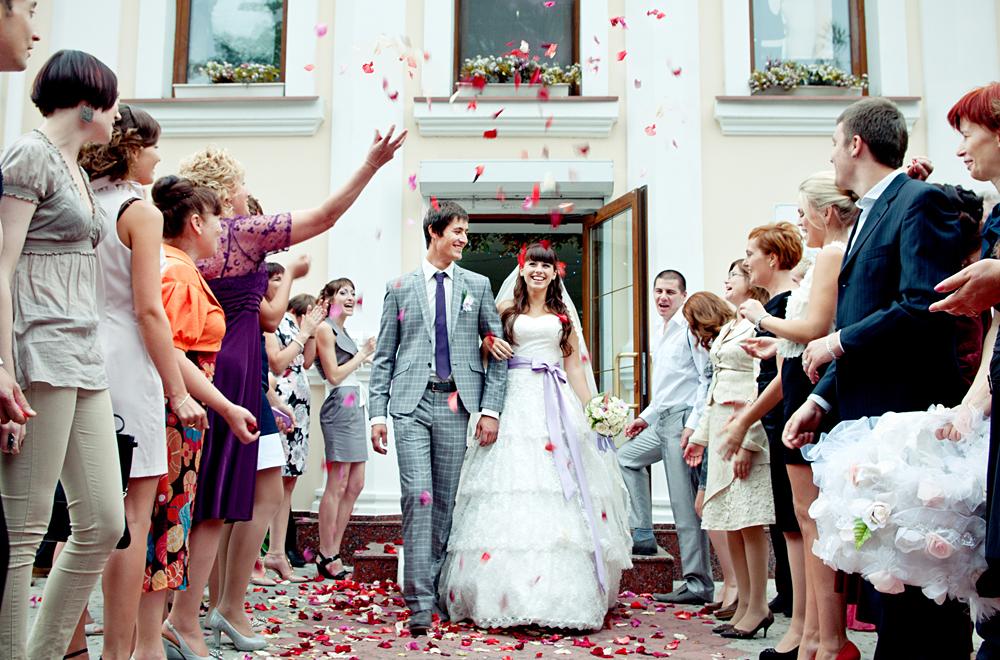 Что можно подарить на свадьбу